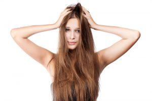 pelo encrespado mujer